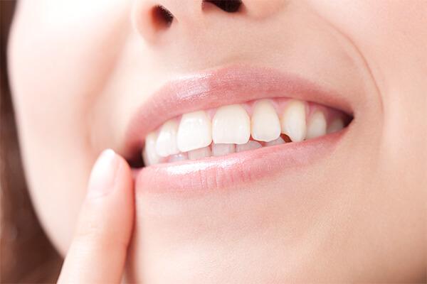 歯の色・見た目でお悩みではありませんか?
